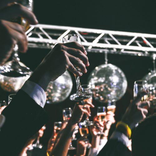ball-cheers-crowd-59884